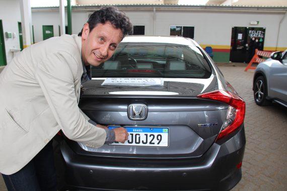 Placa do Mercosul já é obrigatória em Rondônia e custa R$ 270 para carros
