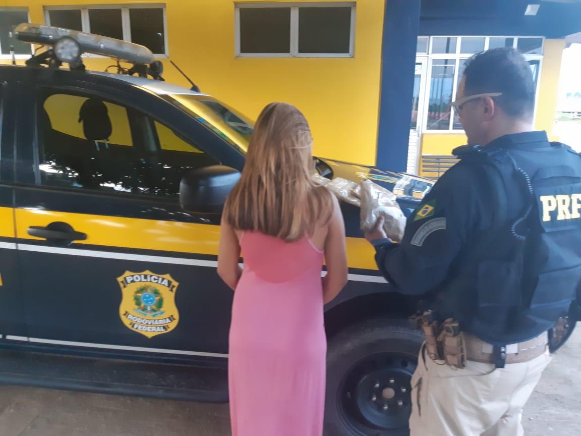 PRF apreende adolescente de 17 anos com 3 quilos de cocaína