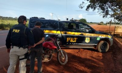 Em Itapuã do Oeste (RO), PRF recupera moto roubada