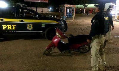 Homem bêbado com moto roubada é preso pela PRF