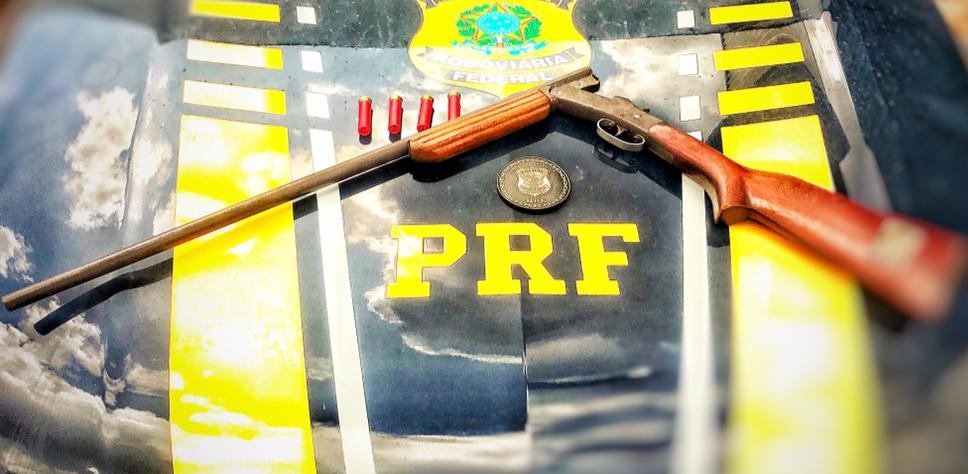 PRF apreende duas armas de fogo e uma moto adulterada em Porto Velho