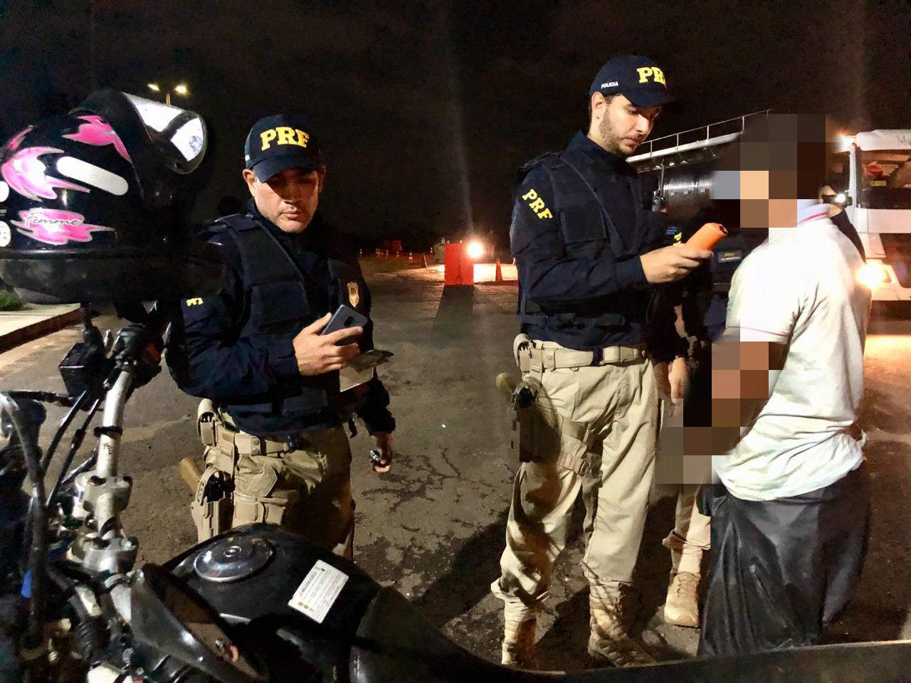 Polícia Rodoviária Federal começa o ano prendendo oito pessoas na BR-364
