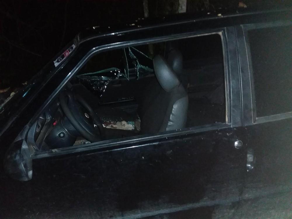 Polícia encontra corpo de homem ao lado de carro abandonado em Rondônia