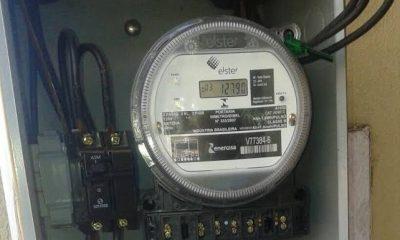 Eletricista que presta serviço para Energisa é preso instalando 'gato' em residência