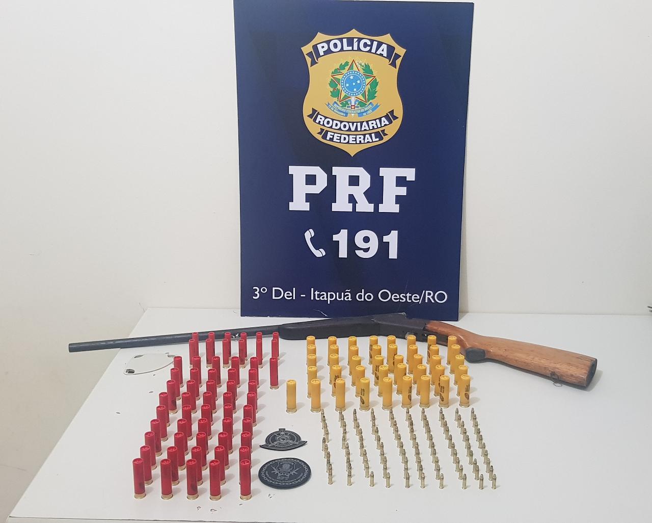 PRF prende homem com espingarda e cerca de 200 munições na BR-364