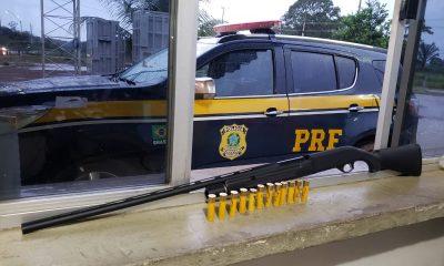 PRF prende homem com espingarda na BR-364