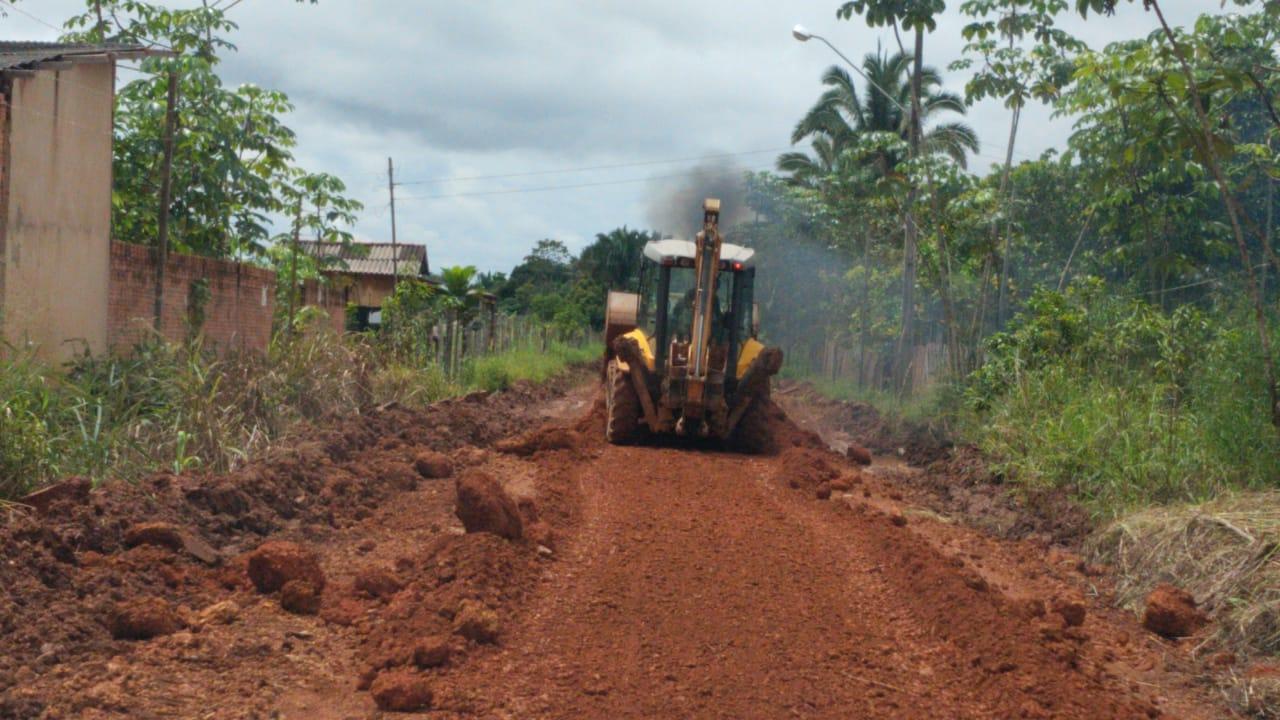 Vereador Júnior Cavalcante pede e prefeitura inicia recuperação de vias no setor chacareiro