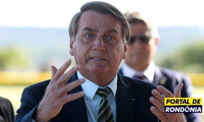 """""""Pago até R$ 1.000"""" se auxílio sair do salário de deputados, diz Bolsonaro"""