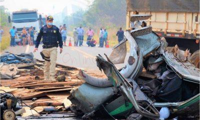 Acidente fatal envolvendo caminhão e carreta deixa BR 364 interditada