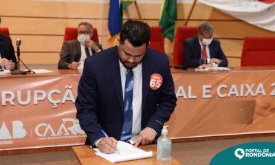 Samuel Costa assina pacto contra corrupção, fake news e caixa dois