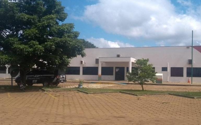 Polícia Civil prende funcionária que pedia dinheiro para liberar veículos no DETRAN de Rondônia