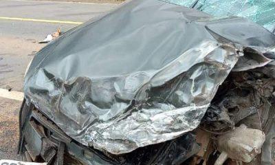 Carreta e carro se envolvem em acidente na BR-364