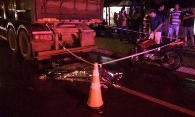Caminhão carregado com óleo tomba e moradores saqueiam carga; Veja o Vídeo