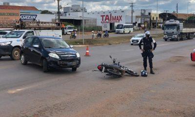 Acidente na Br-364 entre carro e moto, deixa uma pessoa ferida