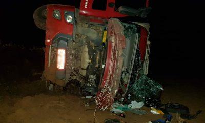 Casal morre em acidente entre caminhão e picape na BR-364
