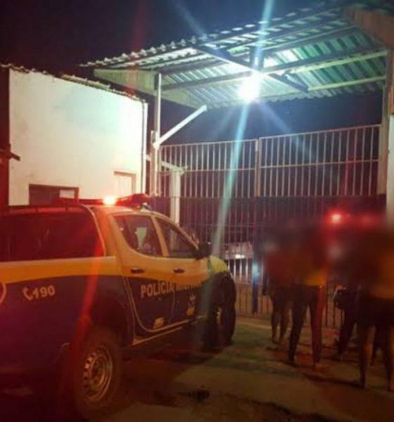 Policial penal detém adolescente que passou na frente de presídio com moto roubada