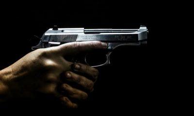 Homem é preso efetuando disparos na frente de restaurante durante bebedeira