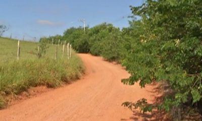 Bandidos fazem família refém e roubam mais de R$ 8 mil em RO
