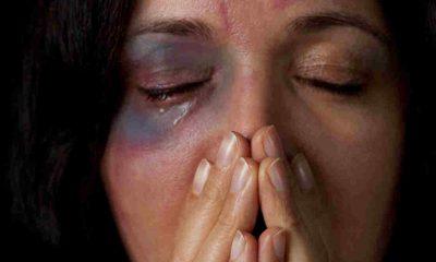 Mulher leu mensagens da amante no celular do marido e tem nariz quebrado