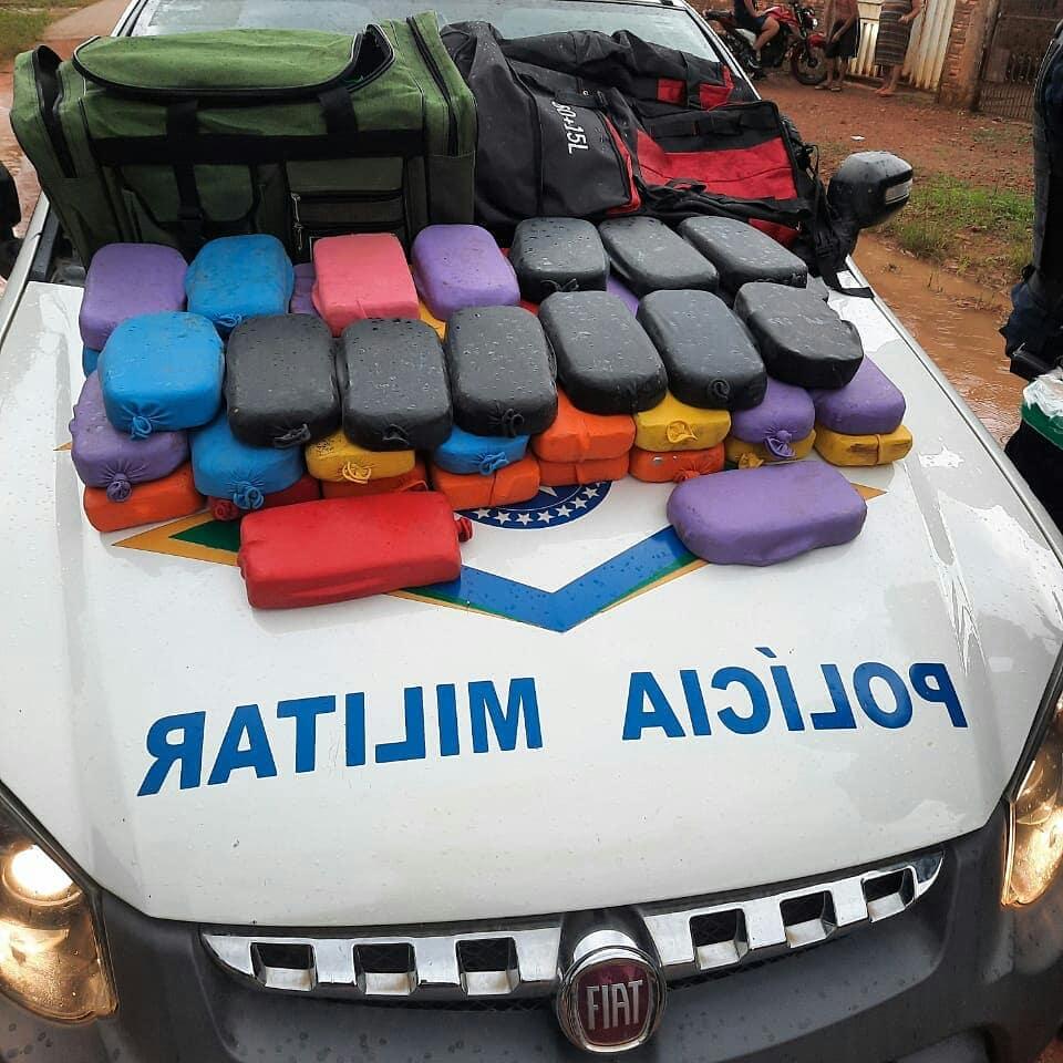 Veículo é abandonado com grande quantidade de drogas em Porto Velho