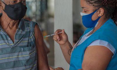 Idosos a partir de 75 já podem se vacinar contra a COVID-19 em Porto Velho