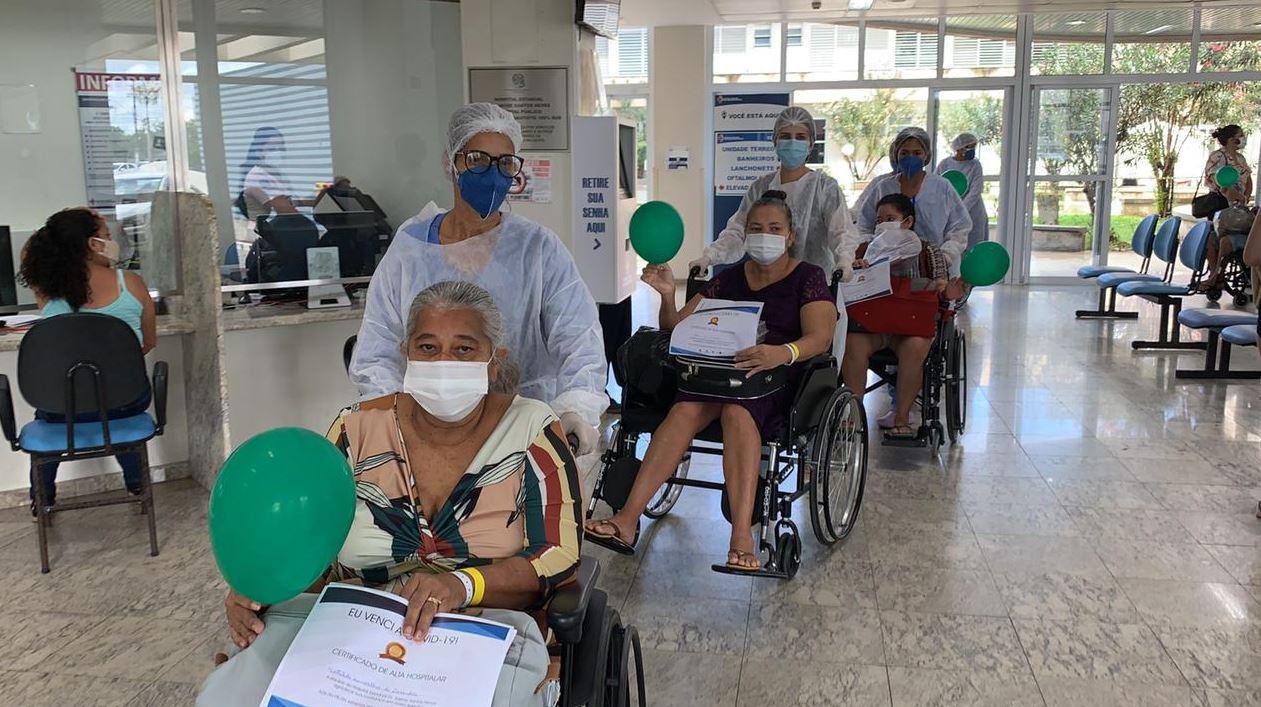 Pacientes curados da Covid-19 retornam para Rondônia após internação no Espírito Santo