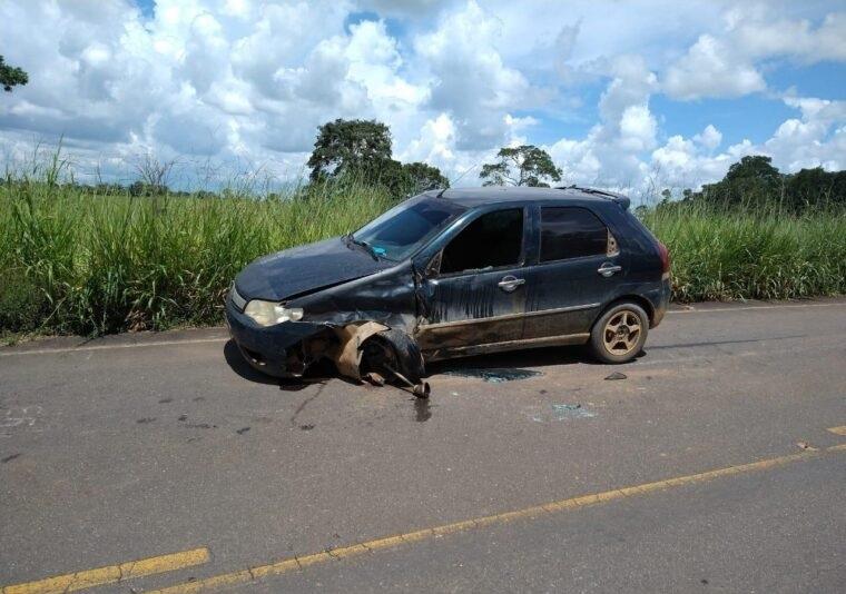 Motociclista sem capacete morre após bater de frente com carro em rodovia de Rondônia