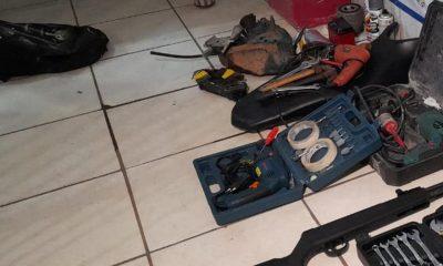 Polícia flagra desmanche de moto no Orgulho do Madeira e prende homem com armas e drogas