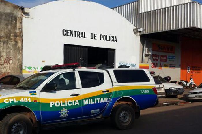 Criminosos são presos na BR-364 enquanto levavam Hillux roubada para Guajará-Mirim