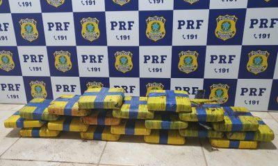 Garota de 22 anos é presa pela PRF com 21 kg de maconha dentro de ônibus na BR-364