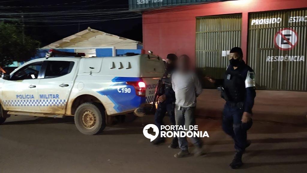 Motorista bêbado é preso em flagrante após invadir contramão e atropelar motociclista