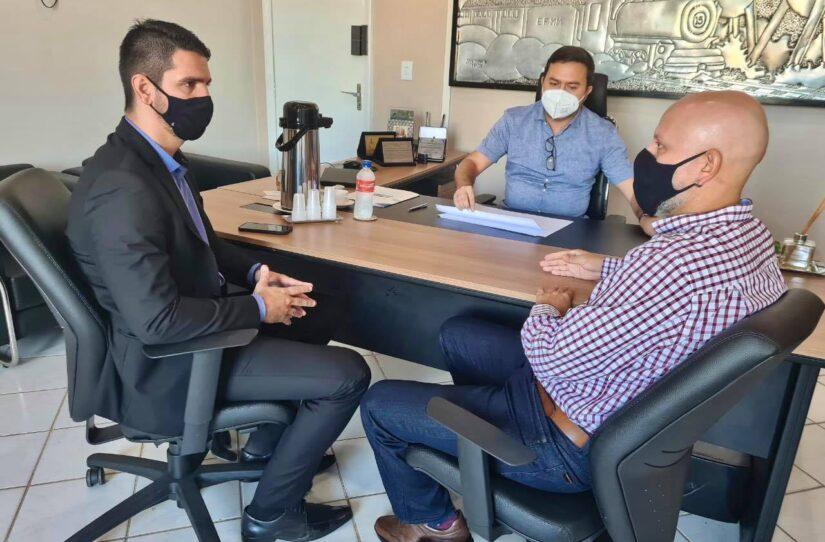 Vereador Aleks Palitot se reuniu com Secretários para viabilizar acessos em Porto Velho