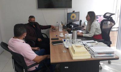 Vereador Valtinho Canuto defende investimentos na educação em reunião com secretária municipal