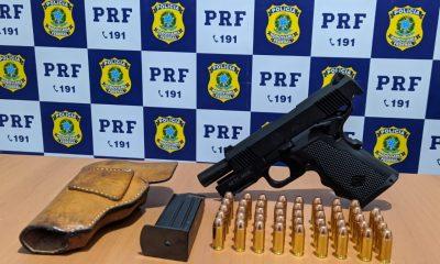 PRF prende dois suspeitos após assaltarem estudante próximo da Faro na BR-364