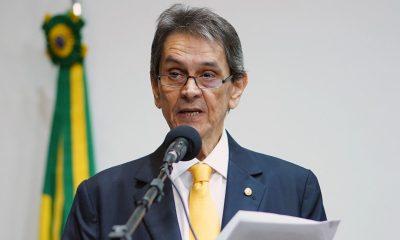 Polícia Federal prende ex-deputado Roberto Jefferson